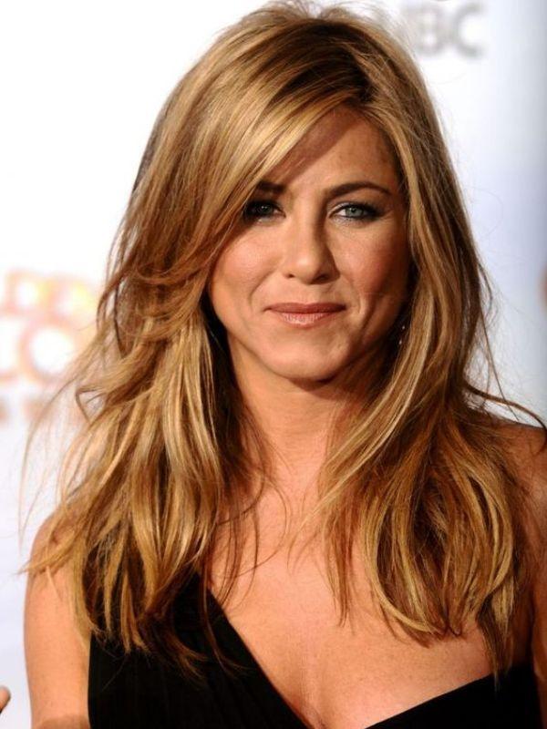 67 Inspiring Hairstyles For Proud Women Over 50 2020 Long Hair Styles Jennifer Aniston Hair Blackberry Hair Colour