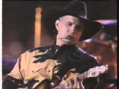 Garth brooks calling baton rouge they made music for Garth brooks trisha yearwood songs