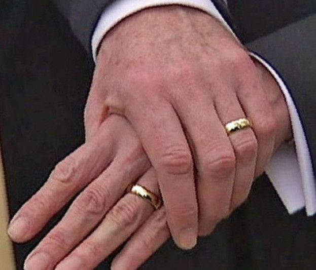 Male Wedding Rings On Hand Mens Gold Rings Hand Rings Mens Wedding Rings Gold