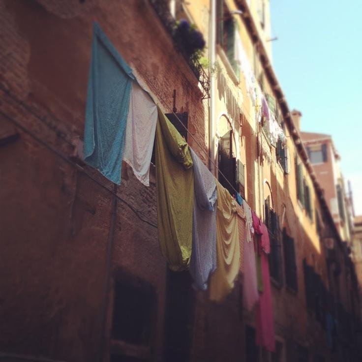 Venezia back streets © Natalie Seldon