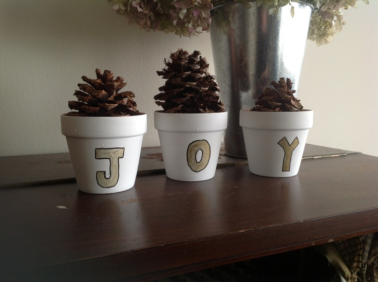 Christmas craft- Clay pots pine cones paint somewhat steady hand. & The 403 best Christmas Pot Crafts images on Pinterest | Natal ...