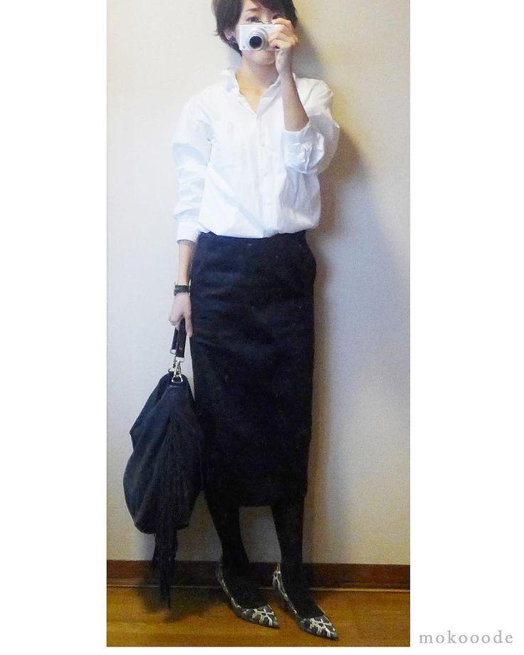 プチプラシンプル! #シャツ #uniqlo #スカート #mujilabo #バッグ #zara #パンプス #ザラジョ #プチプラ #シンプルコーデ #お仕事コーデ #モノトーンコーデ #ママコーデ #コーディネート #ハンドメイド #ハンドメイドイヤリング #outfit #ootd #fashion