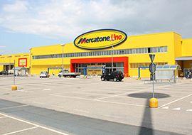 Mercatone Uno riapre due punti vendita in Piemonte e cerca un nuovo acquirente