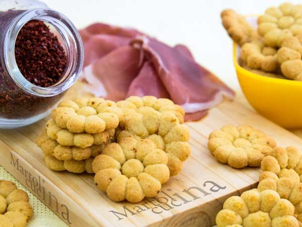 BISCOTTI SALATI AL PEPERONCINO #biscotti #peperoncino #aperitivo