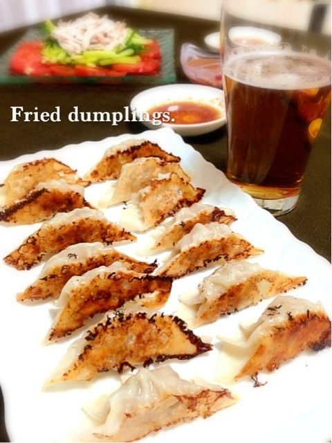 鶏ガラスープのゼラチンを中に忍ばせて、肉汁たっぷり٩꒰ ๑′◡͐`꒱♡ - 188件のもぐもぐ - 焼き餃子 by ゆりえ