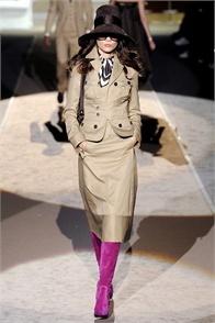 DSquared2: Fashion Show, S2009Rtw Fashion, Fashion Inspiration, Fashion Runway, Fuchsia Boots, Raiders Fashion