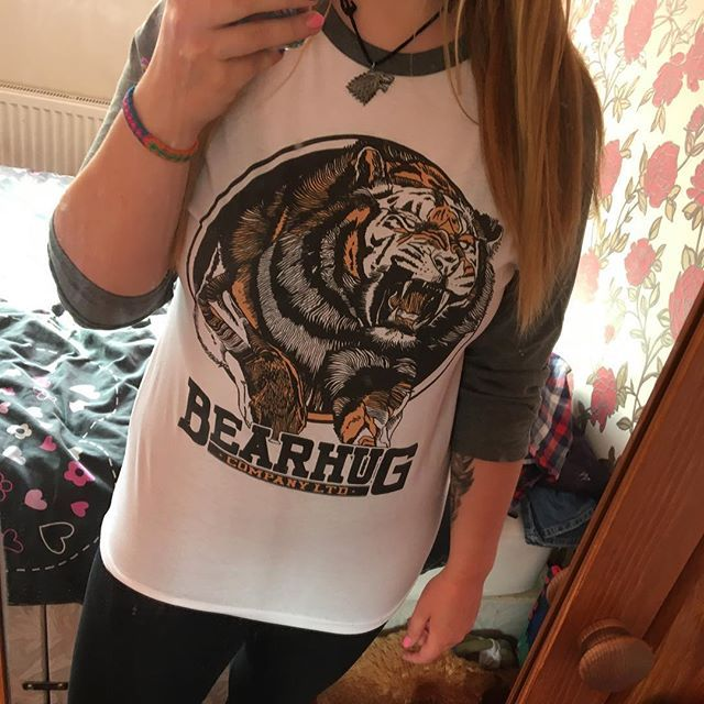 @abiarnold333 in our 'Jumping Tiger' Raglan.    #thebearhugco #lukedixon #thebearhug #tiger #raglan