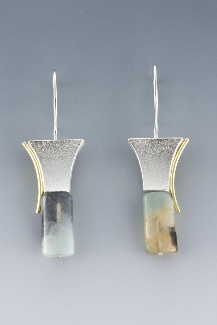 EARRINGS - STERLING SILVER, 18KT YELLOW GOLD, AGATE BEAD