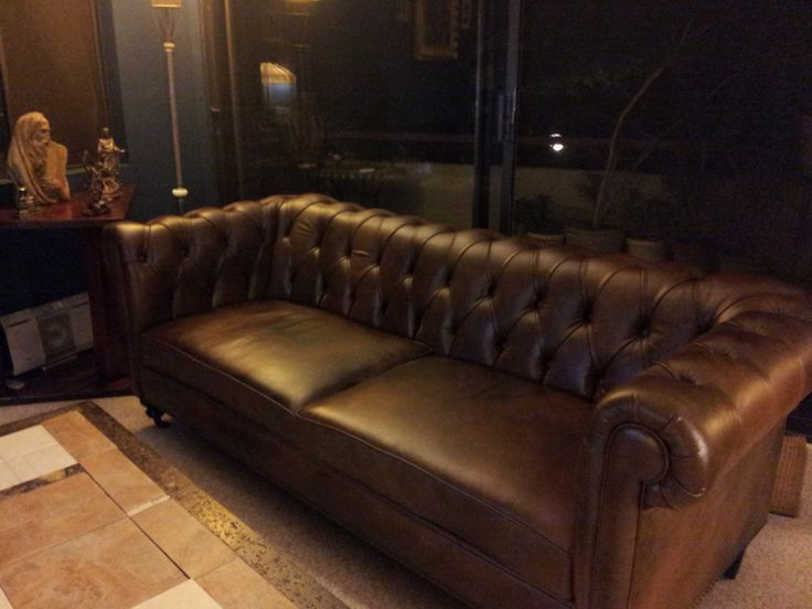 Chesterfield Sofa Showroom 24 best chesterfield sofas images on chair sofa bed