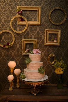 Casamento em um Pub – Paula e Douglas. http://lapisdenoiva.com/casamento-no-pub-paula-e-douglas/ Foto: Cadeira Amarela Fotografia