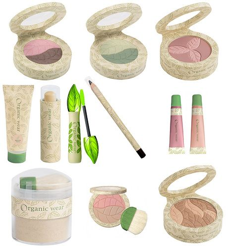 Physician's Formula Organic Wear makeup, looks so nice! Best part? ORGANIC! I want the entire collection:)