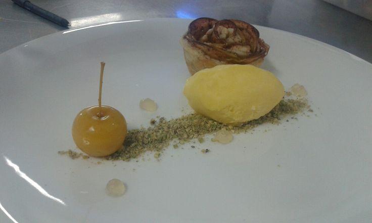 Apple Rose, hazelnut, baby Apple, Mango sorbet