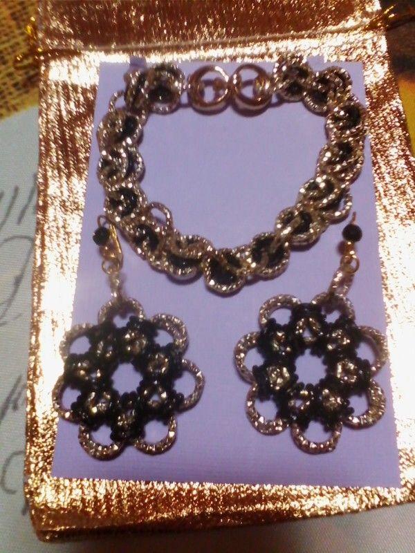Bracciale e orecchini in catena in alluminio diamantata oro - nero