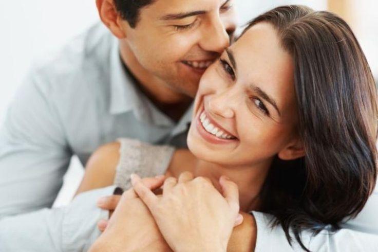 Un couple heterosexuel est un couple de deux personage des different sexs. Dans ce photo il y a un couple heterosexuel.