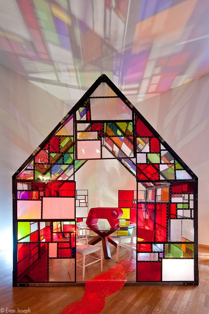CAPPELLINI - New Antiques chair by Marcel Wanders and Mr B. chair by Francois Azambourg - Tom Fruin MAXIKIOSCO house, UM Project U.M.O2 pink