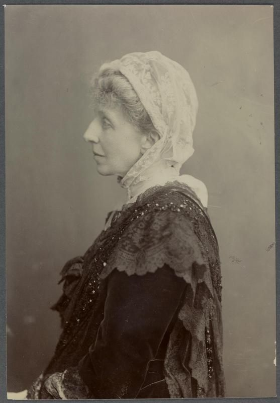 LADY FLORENCE BELL links to info in archives of imperial war musuem related to womens work in ww1
