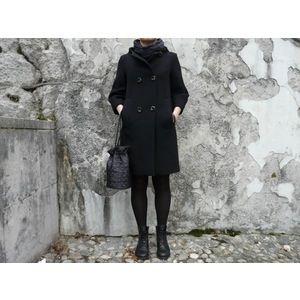 Image of BUCKET BAG col. Gloss Black Geometric