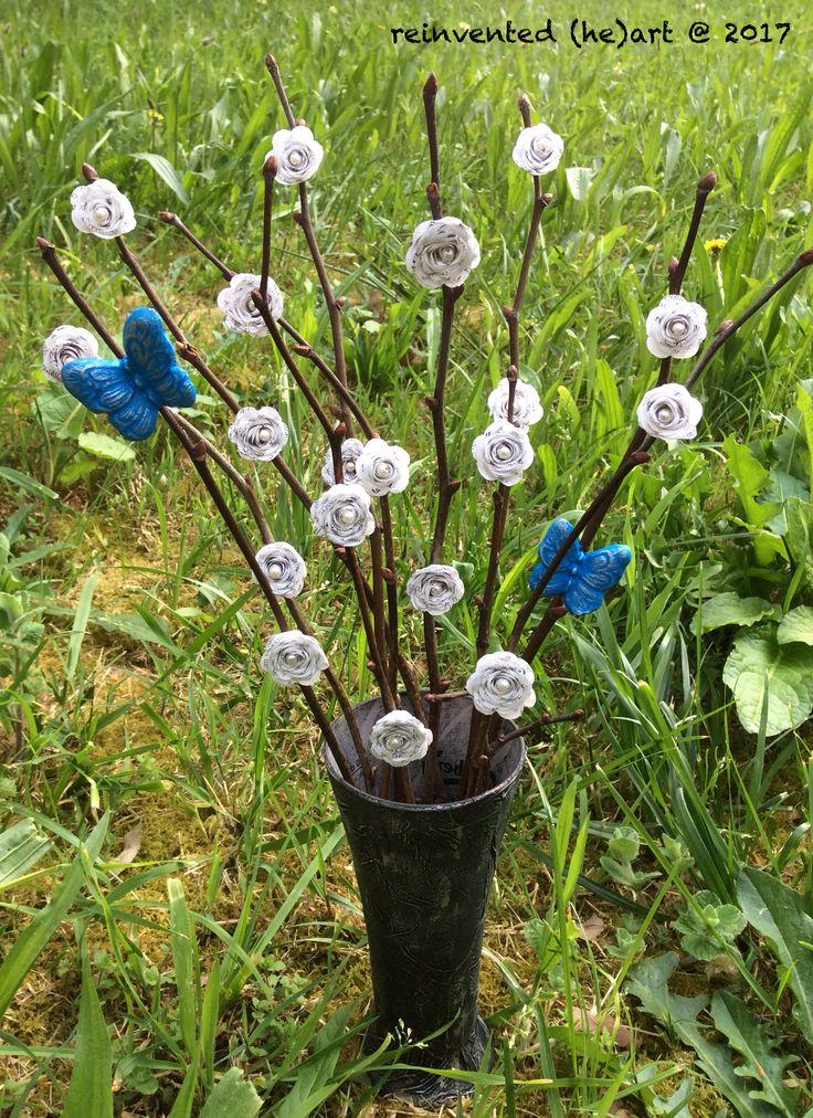 Uma Páscoa muito feliz! Este ano temos flores e borboletas. Happy Easter! This year we have flowers and butterflies.