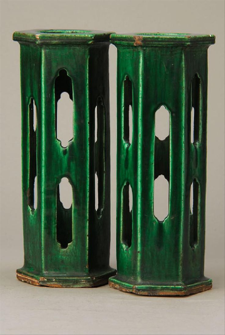 Pair of hat stands, China, in 1800, ceramic, green glaze, six-sided shape, openwork