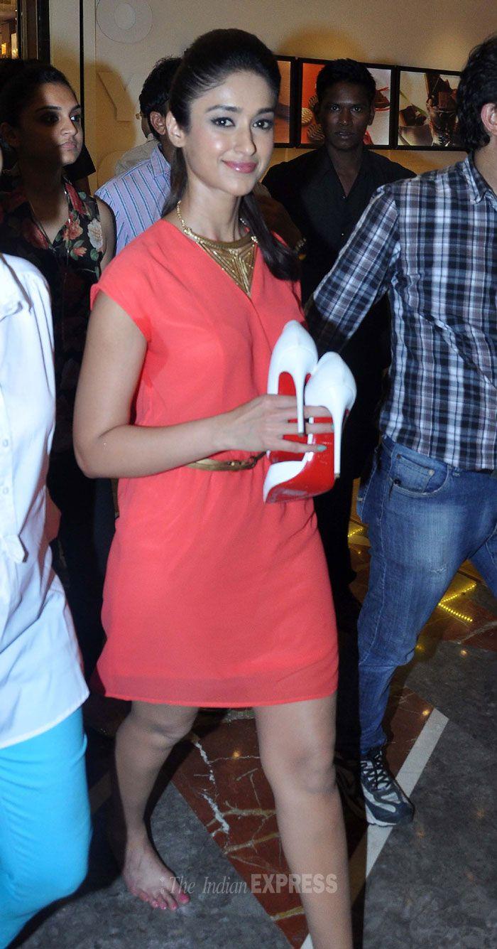 Ileana D'Cruz at a store launch where she was promoting 'Main Tera Hero'. #Style #Bollywood #Fashion #Beauty