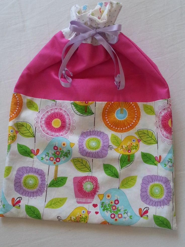Sacchetto per le scarpe in fucsia e colore fantasia / sacchetto per biancheria / Drawstring shoesbag in patchwork / drawstring lingerie bag di KOALAQUILT su Etsy