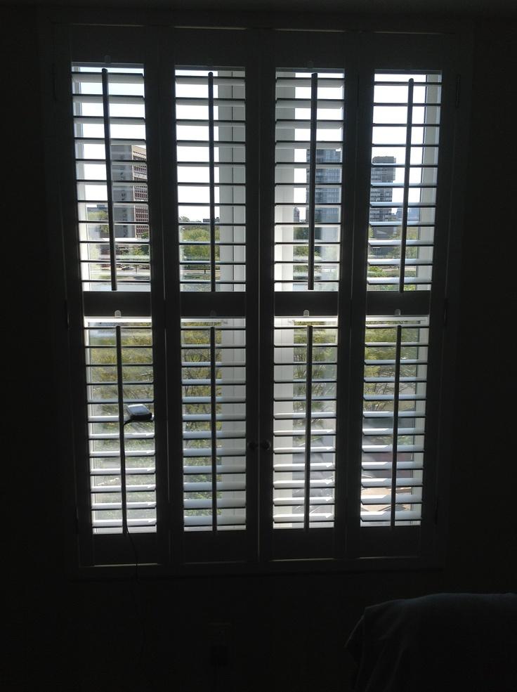 Внутренние ставни-шторы.