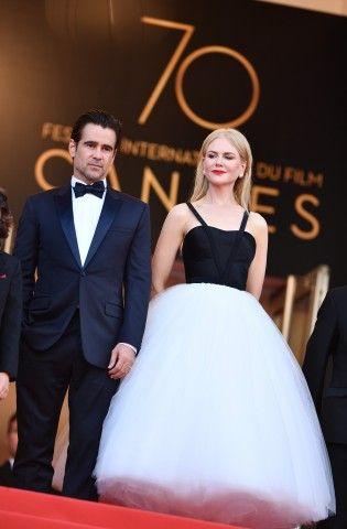 """Cannes 2017: Colin Farrell indossa l'orologio Chopard e Nicole Kidman in un abito Calvin Klein da """"ballerina"""", con corpetto nero e gonna vaporosa in tulle sul red carpet del film The Killing of a Sacred Deer."""