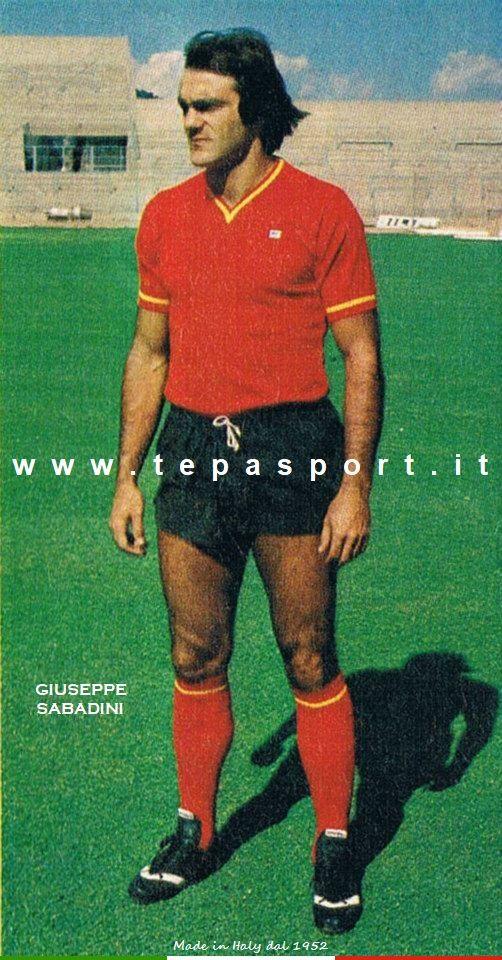 Giuseppe Sabadini Dopo sette anni con la maglia delll' A.C. Milan la sua carriera proseguì nel Catanzaro ... ⚽️ C'ero anch'io ... http://www.casatepa.it/  🇮🇹 Made in Italy dal 1952
