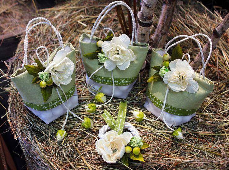 #Bomboniere a #borsetta con fiori e #confetti RDM design.