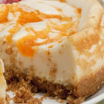 Amaretto Peach Cheesecake @keyingredient #cake #cheese #cheesecake