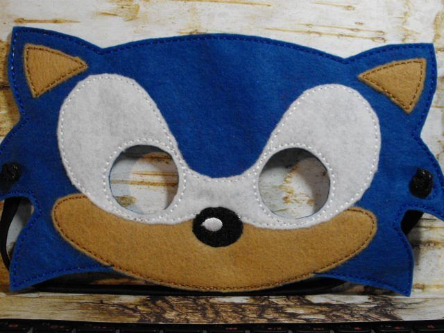 Sonic The Hedgehog Mask Felt Mask Mask For Kids Diy Projects For Kids