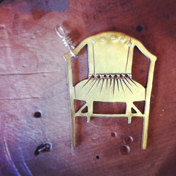 """Elegant Little Deck Chair"" pendant"