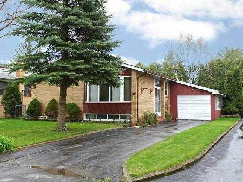 $1,980 Bayview/Major Mac  Nice Clean Bungalow In Heart Of Richmond Hill. Lease Include 3 Bedrooms On The Main Floor And 2 Bedrooms In The Basement. Basement Has Separate Entrance And Own Washroom And Kitchen. Hardwood Floor Throughout. Walking Distance To Bayview S.S. And Crosby Height Public School. Community Center, Shopping, Transit & Go Station, Minutes To Hwy.