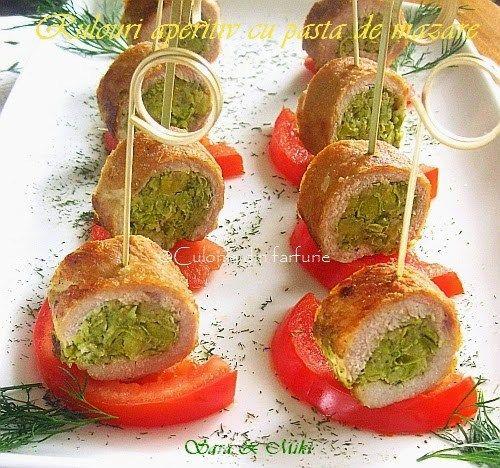Rulouri aperitiv cu pasta de mazarepot fii realizate din porc sau piept de pui. Sunt usor si rapid de executat si le putem intercala pe un platou cu alte aperitive.