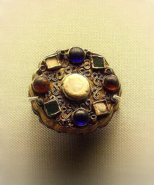 British Museum - jewellery Merovingian dis brooch- DAGOBERT 1°- Résumé, 1: Né…