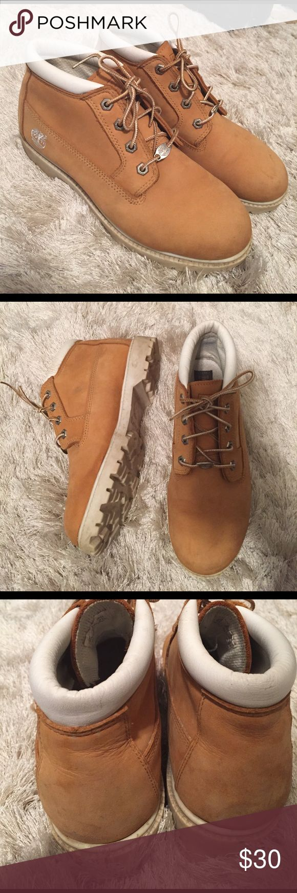 Women's Timberland Nellie boot | Sz 9 Great boots! Worn a few times so they do have scuff marks and some noticeable wear as shown in the pictures. Women's size 9. Timberland Shoes Winter & Rain Boots