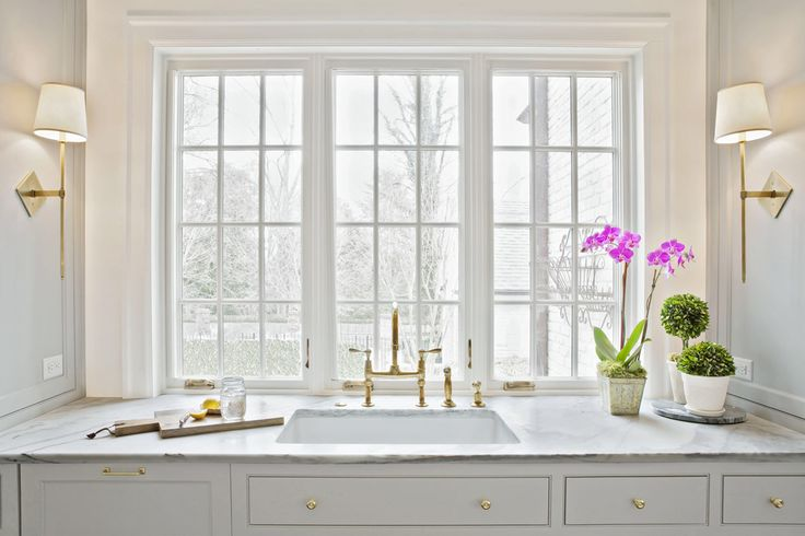 Light and airy kitchen- Rachel Halvorson Designs; Photo cred: Paige Rumore Photography