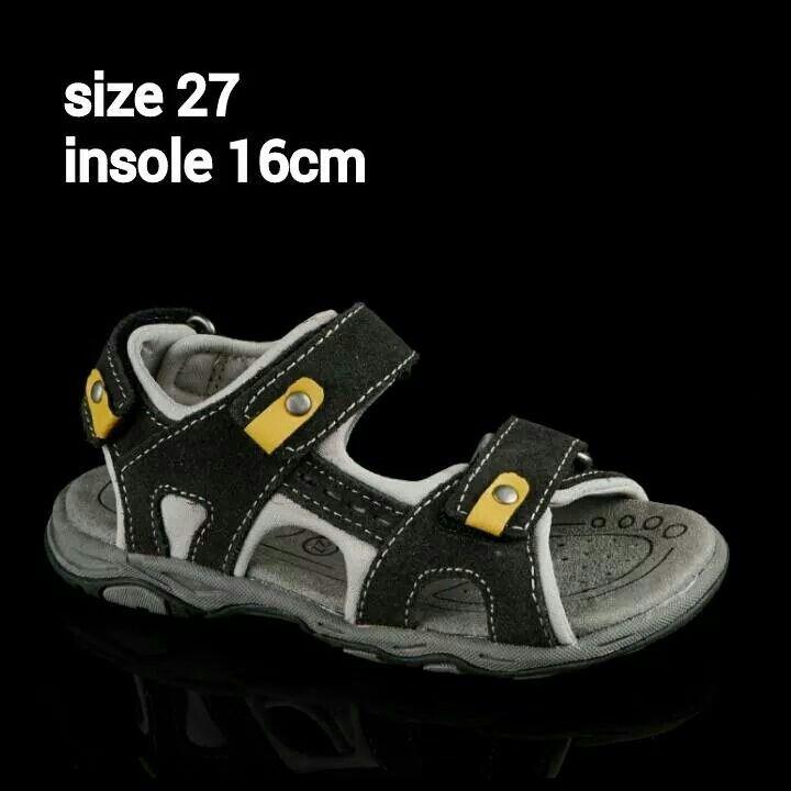 READY STOCK KIDS LEATHER SANDAL KODE : TANK BLACK Size 27 PRICE : Rp.205.000 AVAILABLE SIZE : - Size 27 (insole 16cm)  MATERIAL : Genuine Leather (Kulit Asli), Sol Empuk. Sesuai untuk anak-anak :)   FOR ORDER : SMS/Whatsapp 087777111986 PIN BB 766a6420 Facebook : Mayorishop  #pusatsepatubootsanak #sandalanak #sandalkulitanak #sandalsantai #sandalgunung #sandalnyaman #casualshoes #kulitasli #genuineleather #sisaekspor #brandedshoes #germanbrandedshoes #europeanbrand #originalbrand #readystock…