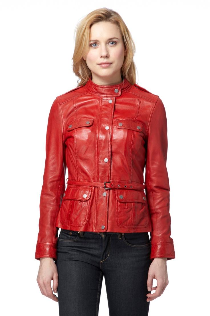 Venda Oakwood / 8325 / Mulher / Casacos Trendy / Casaco Mila de Couro Vermelho. De 350€ por 125€.