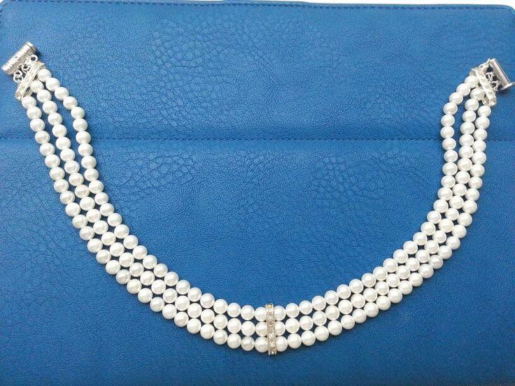 Collana collare a tre fili di perle