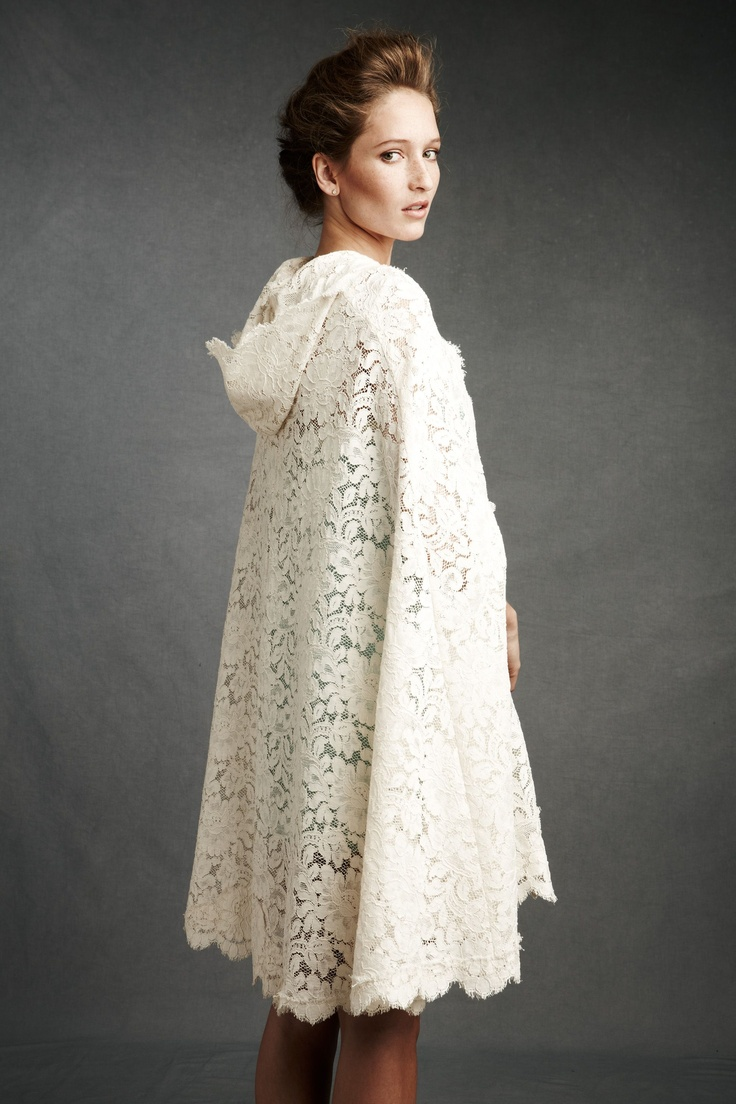 Wedding cape... or just classy cape.. it's the hood that makes this so cute