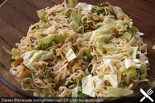 Chinakohlsalat mit Sonnenblumenkernen, ein raffiniertes Rezept aus der Kategorie Gemüse. Bewertungen: 25. Durchschnitt: Ø 4,6.