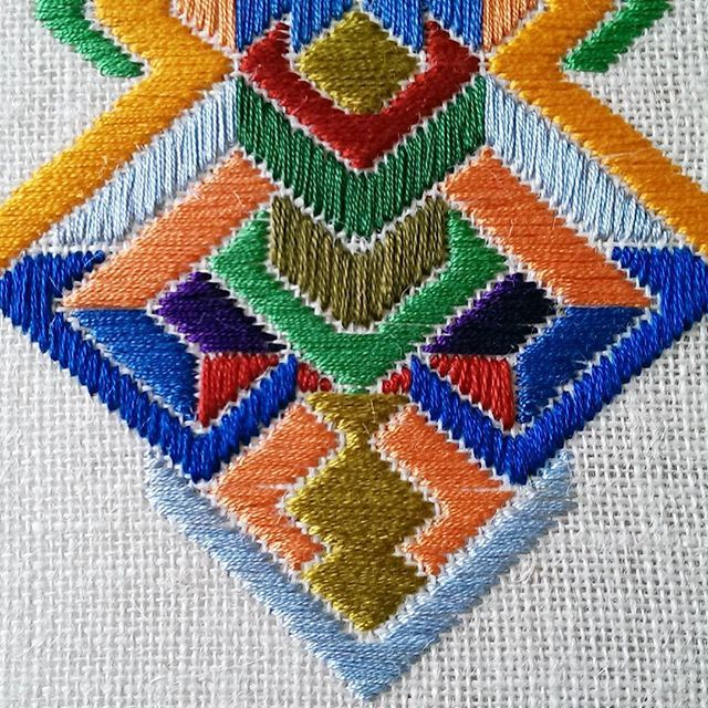 And a detail...#embroidery #contemporarycraft #dspattern #colourful #colour #textiles #textileartist #needleart #needlepoint #stitched
