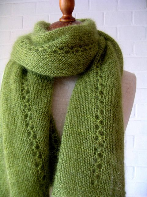 Free Pattern: Granny Smith Wrap.  Darlene likes this one in blues