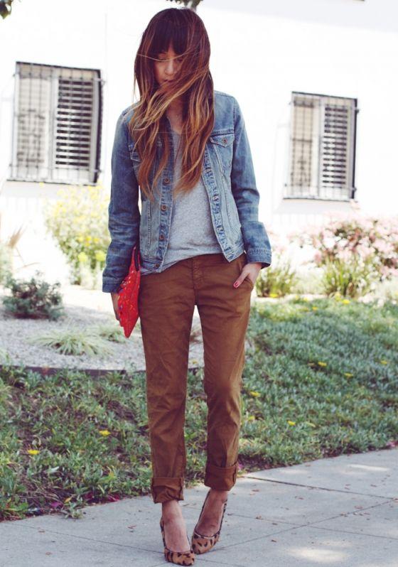 Calça marrom e calça jeans