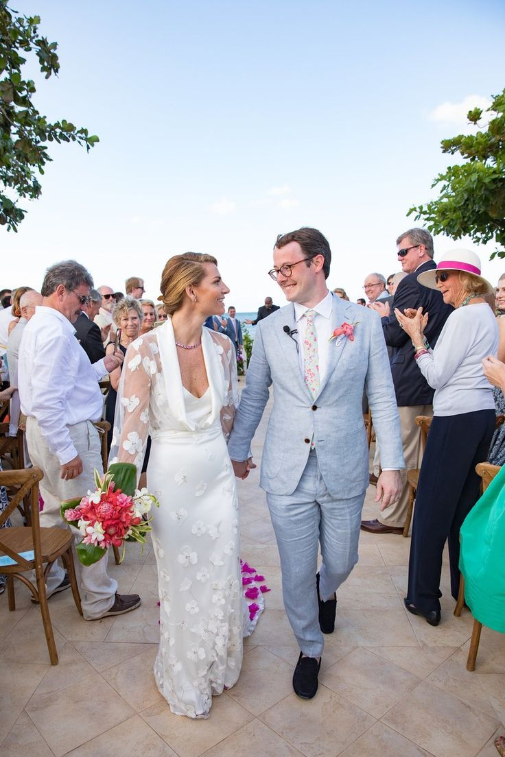 6c720f53bbe A Vibrant Wedding in Jamaica Filled with Local Details