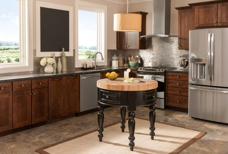 The Round Petite island is the perfect add-on to your kitchen if you need just a little more work space.