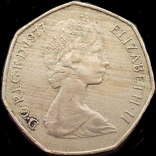 """El peso es la moneda oficial de México. El peso fue la primera moneda en el mundo en utilizar el signo """"$"""", que el dólar de Estados Unidos más tarde adoptó para su propio uso. El nombre peso ha correspondido a dos unidades monetarias mexicanas diferentes. La primera, fue vigente hasta el 31 de diciembre de 1992. La segunda, entró en vigencia el día 1 de enero de 1993. Se denomino nuevo peso hasta el 31 de diciembre de 1995 y simplemente peso desde el 1 de enero de 1996 hasta la act..."""
