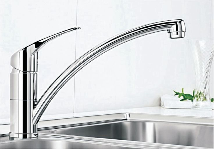 Blancobravon With a high, bow-shaped, long spout, there are no barriers to the working process of mixer tap and sink. Blanco By Hafele