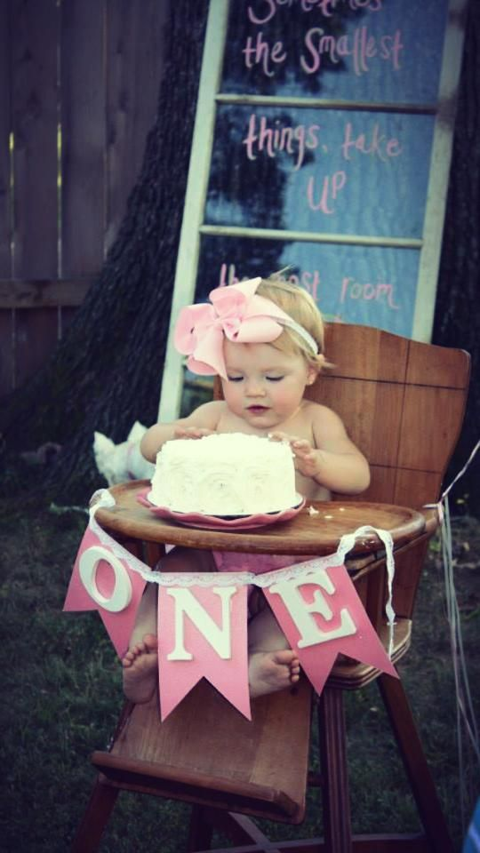 Im going to do this for the chair instead!!! Love the sign, looks more royal than tutu